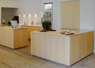 Århus Kunstbygning. Køkken i ask - Design Carl Schneider