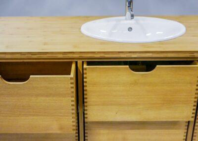 Badeværelsesmøbel i eg og bambus - Design Carl Schneider