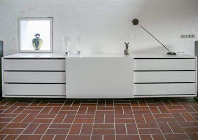 Hi-Fi reol m. skuffer og skydelåge - Design Lars Vejen
