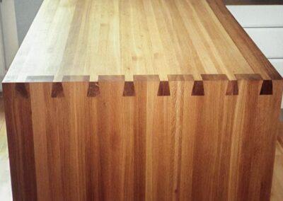Køkkenbord med håndzinker