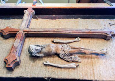 Krucifiks før restaurering