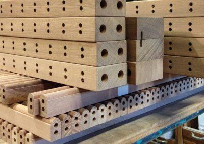 Radiatorskjuler i lys mahogni- halvvejs fabrikeret