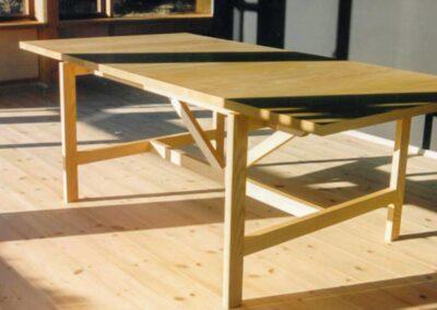 Spisebord i massiv asketræ - Design Lars Vejen