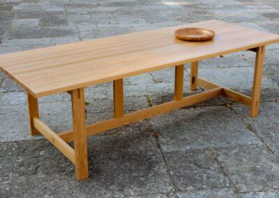 Spisebord i massiv egetræ - Design Lars Vejen